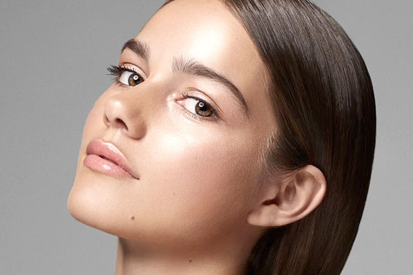 How to Pamper your Skin for a Highlighter-like Glow?